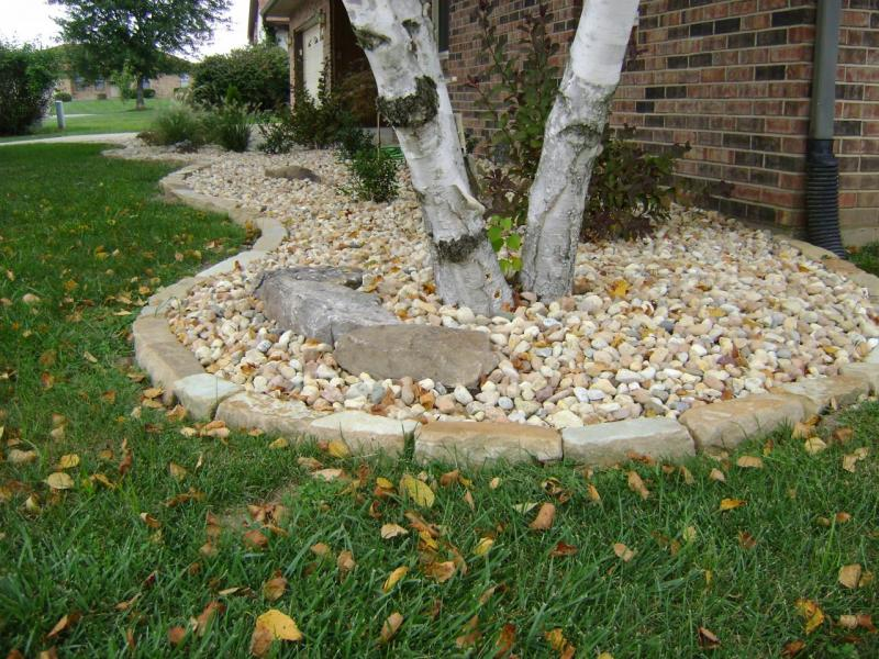 Landscaping With Stone Mulch Pictures : Weilbacher landscaping installation of mulch decorative