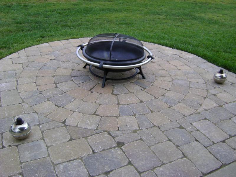 Exceptional Paver Patio With Decorative Circle Kit Pattern